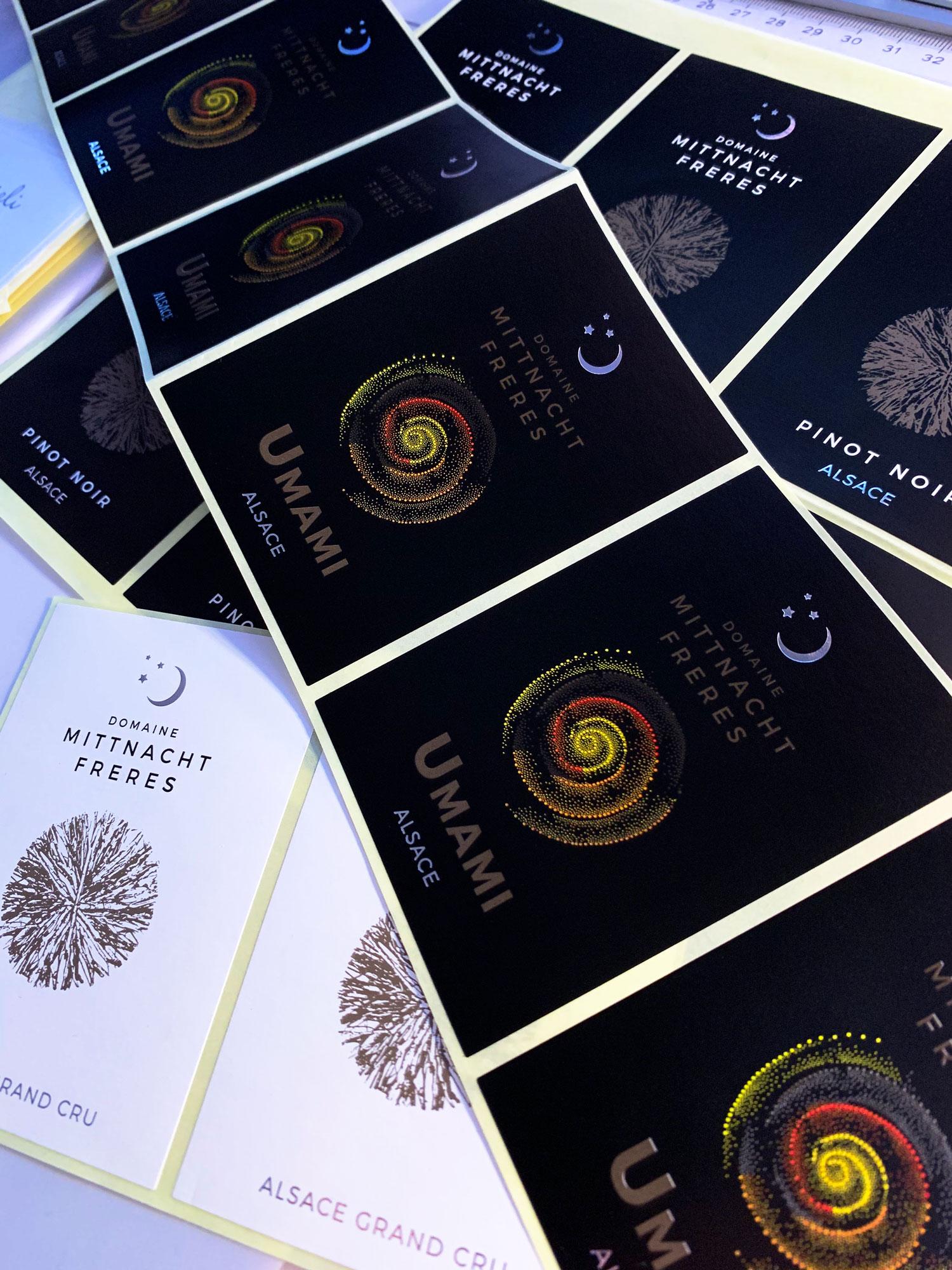 photo des nouvelles étiquettes de vins pour le domaine Mittnacht frères